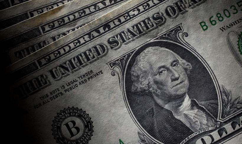 EUR/USD. Dollar loses position ahead of symposium