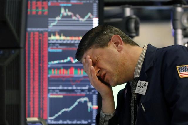 Chứng khoán Mỹ trượt giá trong bối cảnh lượng mua trái phiếu có tiềm năng bị cắt giảm