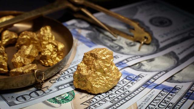 सोने की कीमत में इतनी गिरावट क्यों आई है? और आगे धातु का क्या होगा?