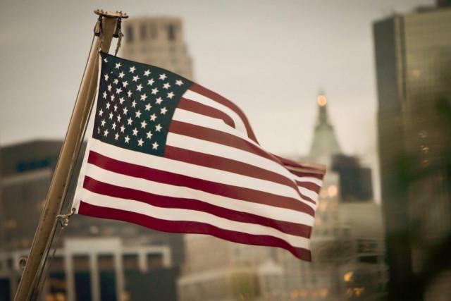美国面临大规模短缺和供应链瓶颈