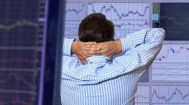 美国股市一片混乱,投资者担心国内统计数据