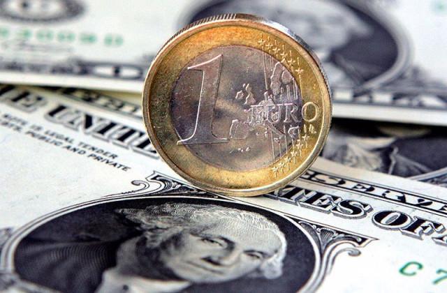 EUR/USD: хотя евро не оставляет попыток вырваться вперед, доллар знает, что собака лает, а караван идет
